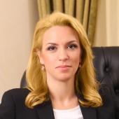 Г-жа Петя ДимитроваПредседател на УС и главен изпълнителен директор, CV